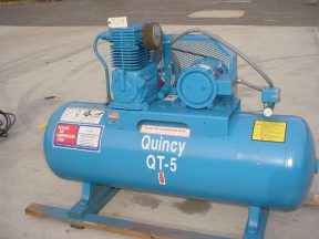 QUINCY 5 HP TANK MOUNTED AIR COMPRESSOR