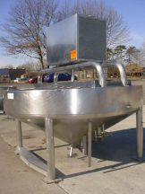200 GALLON MUELLER STAINLESS CONE BOTTOM COOKER/COOLER 100 PSI JACKET