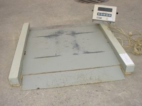 GSE SCALE SYSTEMS MODEL 450 DIGITAL SCALE