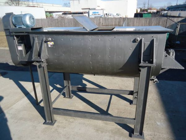 100 CU.FT. STAINLESS JACKETED DOUBLE RIBBON BLENDER, 25 HP