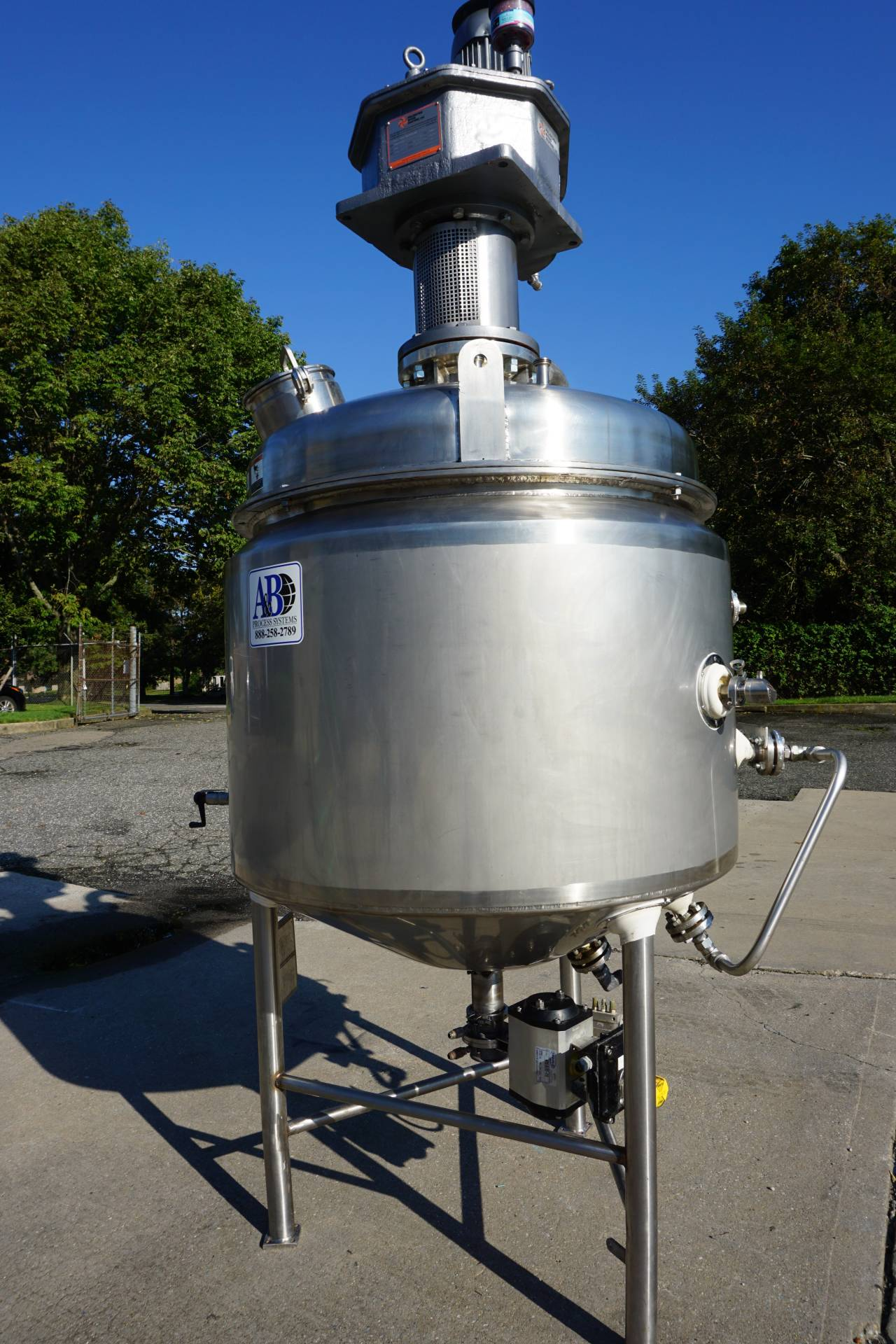 A & B Process Systems 160 Gallon Stainless Jacketed Pressurized Kettle/Reactor, 150 PSI