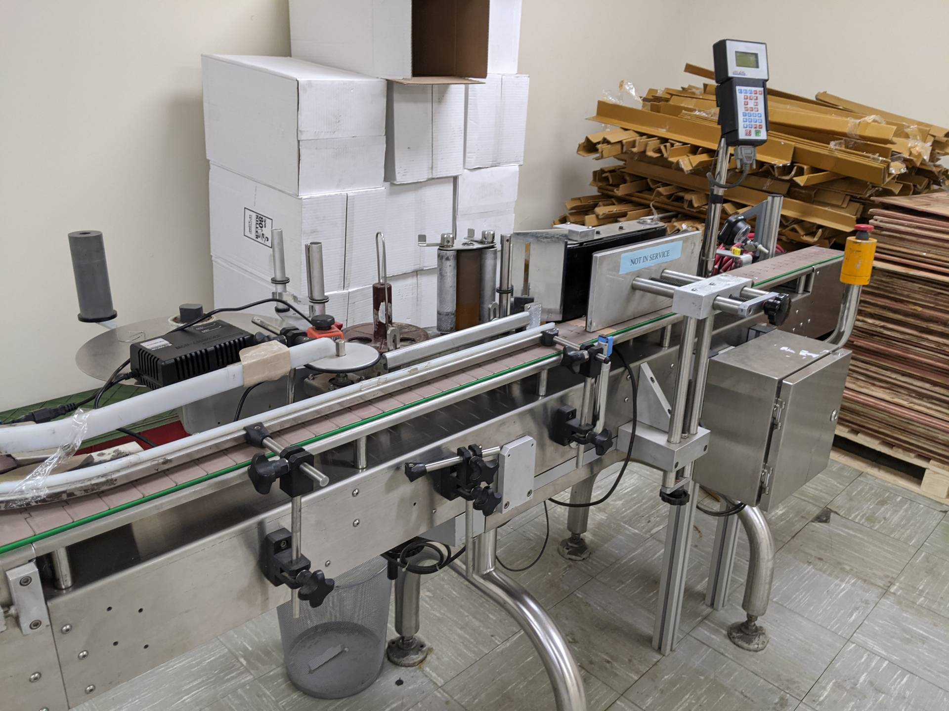 CVC 300-II Automatic Pressure Sensitive Spot/Wraparound Labeler