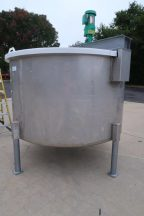 1,000 Gallon Stainless Steel Vertical Mix Tank